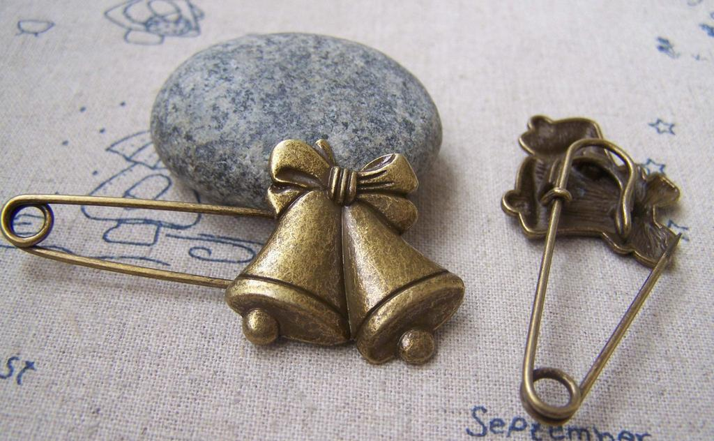 Accessories - 6 Pcs Of Antique Bronze Christmas Jingle Bell Safety Pins Broochs 11x50mm A2882
