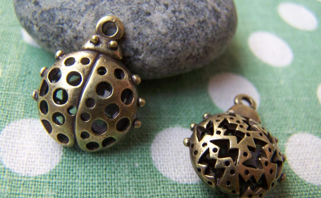 Accessories - 6 Pcs Of Antique Bronze Filigree Ladybug Ladybird Pendants 17x18mm A1802