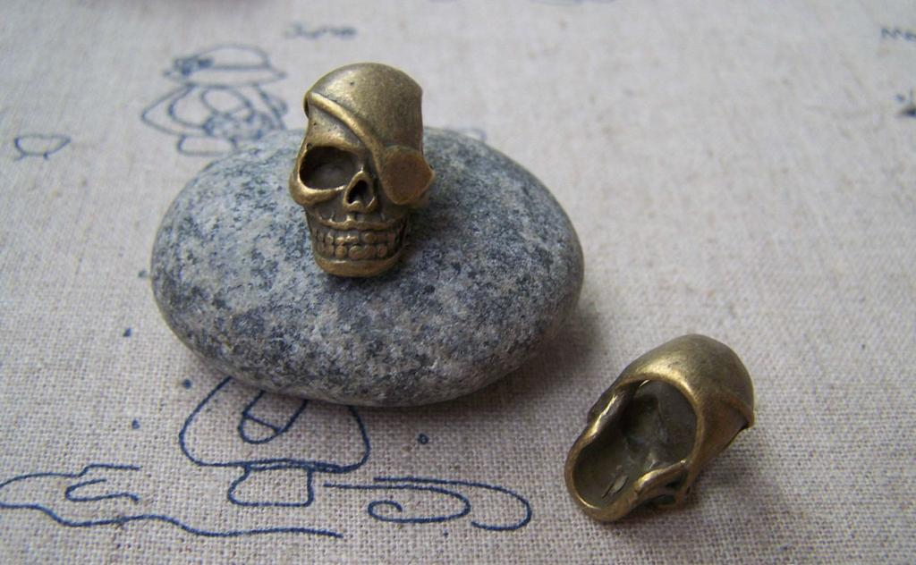 Accessories - 8 Pcs Of Antique Bronze 3D Pirate Skull Beads 12x14x20mm A1580