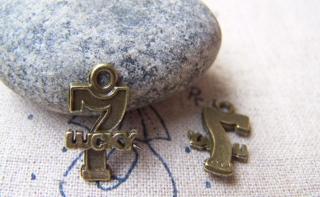Accessories - Number 7 Charms Antique Bronze 10x18mm Set Of 10 Pcs A1775