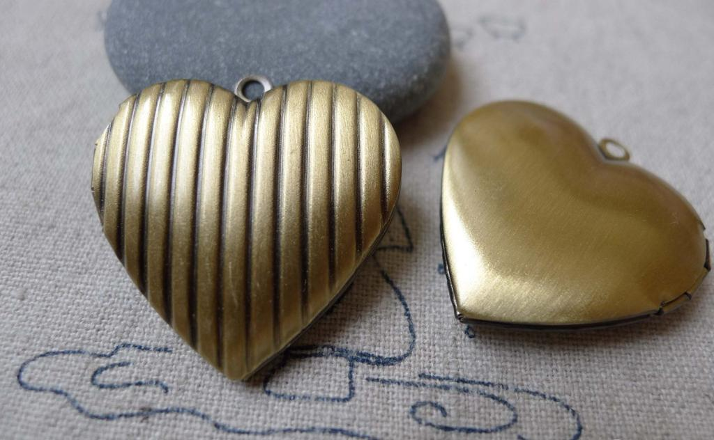 Accessories - Stripe Heart Picture Locket Antique Bronze Photo Locket Pendants 29mm Set Of 4 Pcs A7013