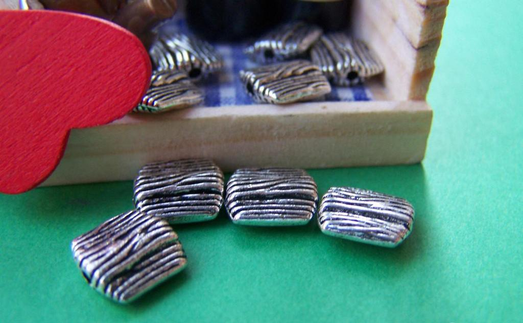 Accessories - Textured Line Board Beads Antique Silver  8x8mm Set Of 20 Pcs A1060