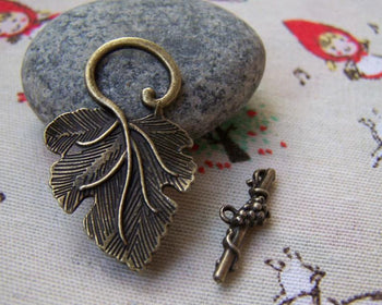 2 Toggle clasps grapes and  vine leaf antique silver tone FS84
