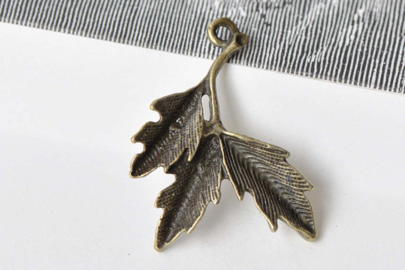 10 pcs Antique Bronze Three Leaf Branch Charms 27x35mm A8653