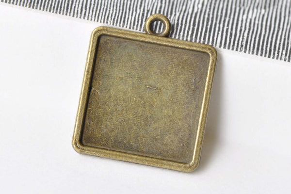 10 pcs Antique Bronze Square Pendant Tray Base 20mm A8660