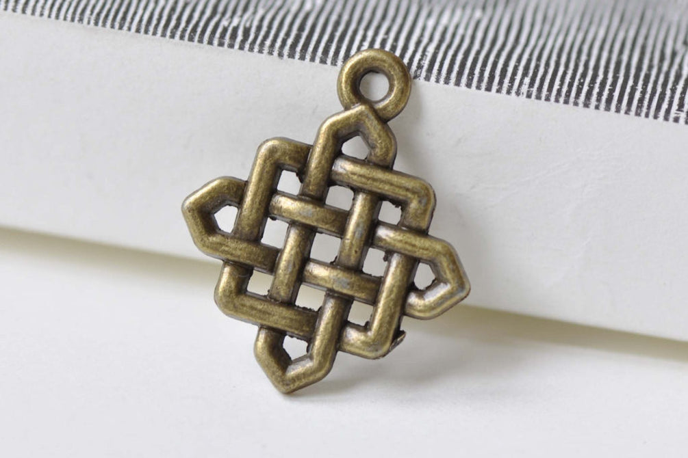 20 pcs Antique Bronze Square Chinese Knot Charms Connectors A8505