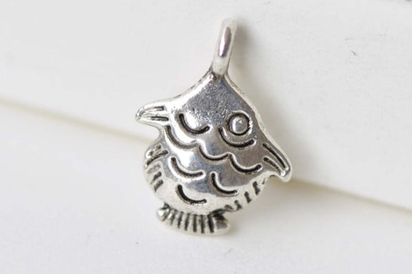 20 pcs Antique Silver Tiny Fish Charms 11x15mm A8674