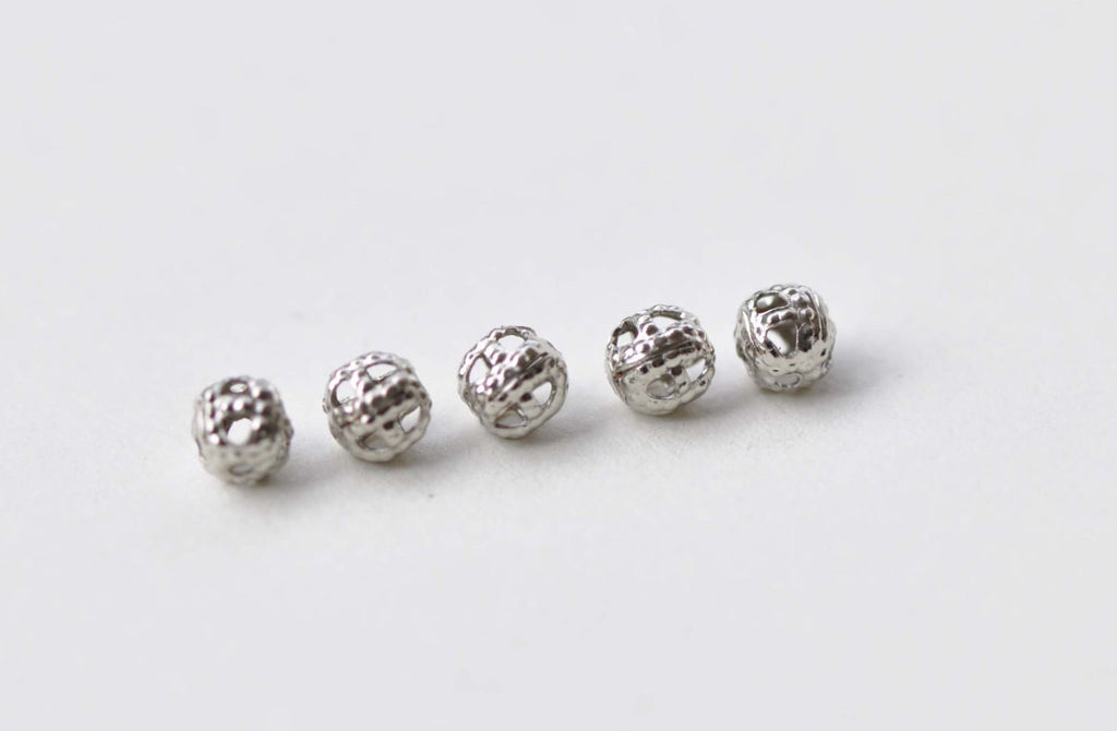 300 pcs Platinum Tone Filigree Ball Spacer Beads Size 4mm A8778