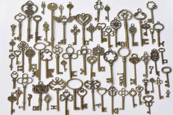 Antique Bronze Skeleton Key Charms Pendants Assorted Set of 69 A8785