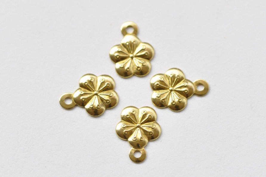 50 pcs Raw Brass Plum Flower Stamping Embellishments 7mm A8746