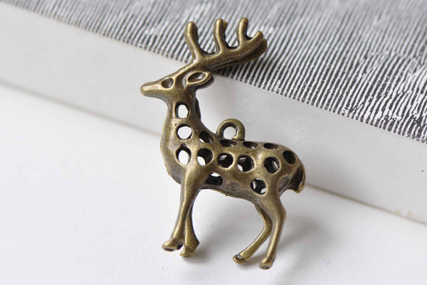 Antique Bronze Reindeer Pendants Charms 30x40mm Set of 5  A8953