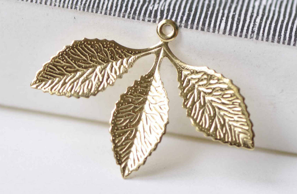 20 pcs Raw Brass Three Leaf Branch Stamping Embellishments A8968
