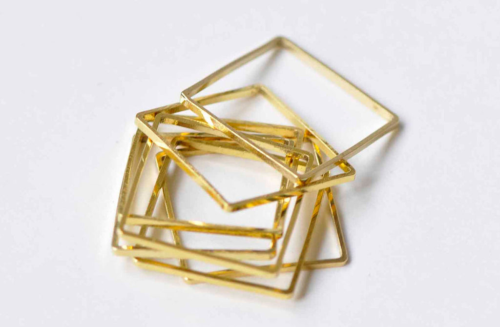 50 pcs Square Rings Gold Seamless Rings 16mm A9019