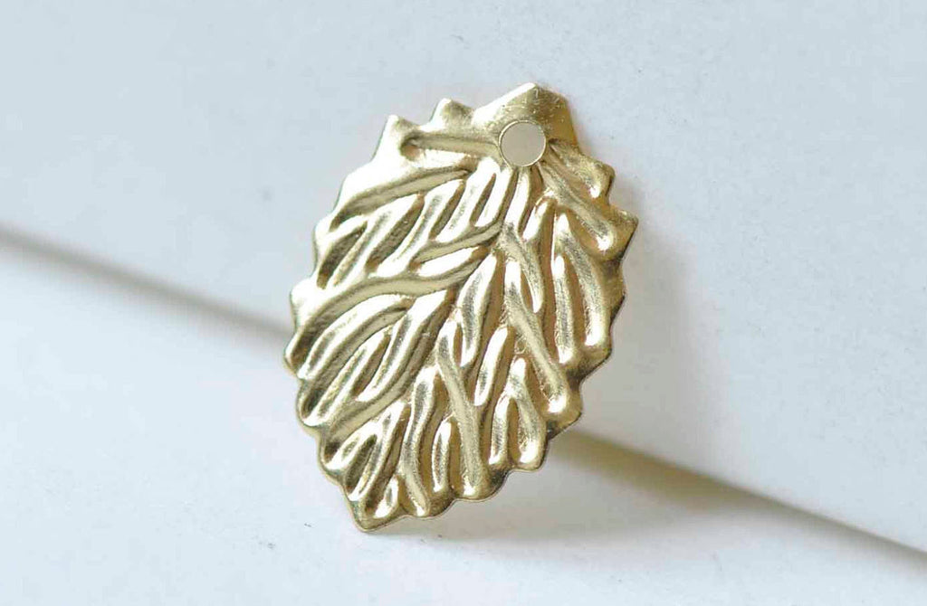 50 pcs Raw Brass Leaf Charms Stamping Embellishments A9034