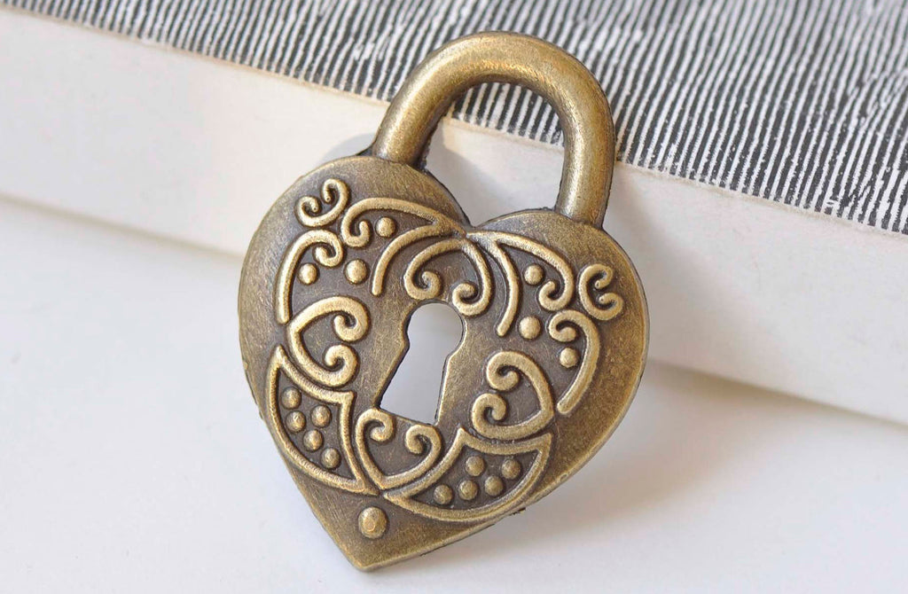 10 pcs Antique Bronze Vintage Lock Pendants Charms 28x38mm A3976