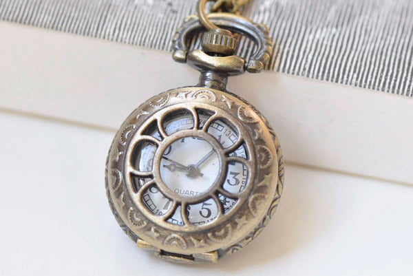 1 PC Antique Bronze Cut Out Flower Pocket Watch Necklace 27mm A426