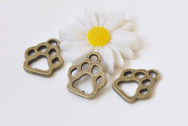 20 pcs Antique Bronze Bear Paw Print Charms 11x13mm A508