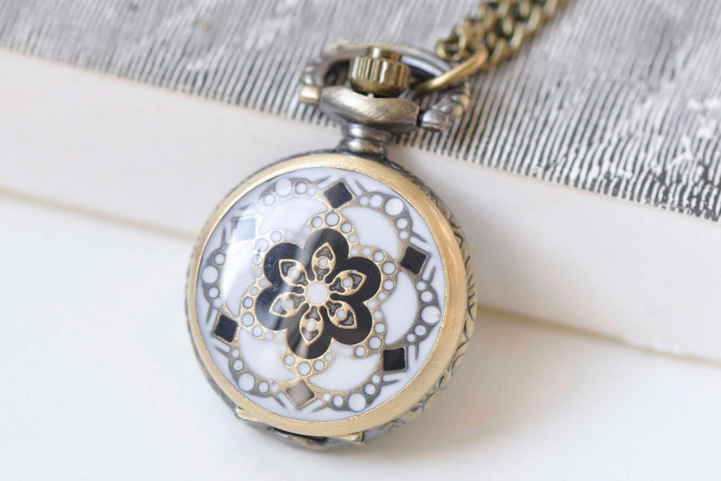 1 PC Antique Bronze White Enamel Flower Small Pocket Watch Necklace 27mm A3707