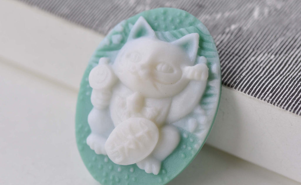 Resin Fortune Cat Cabochon Oval Green Cameo 28x37mm Set of 6 A7909