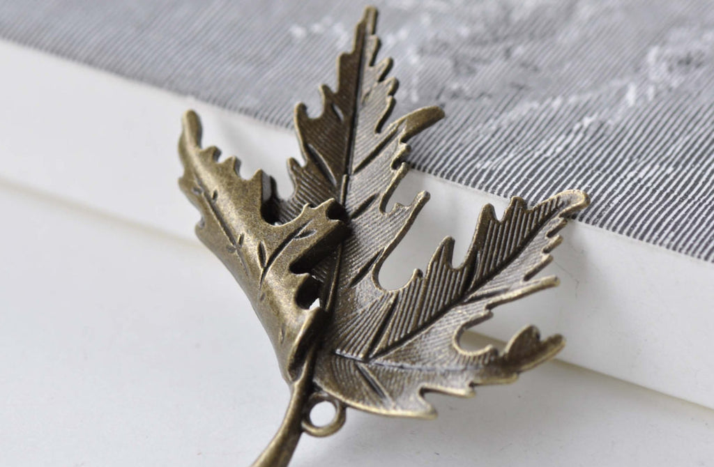 10 pcs Antique Bronze Large Folded Maple Leaf Charms Pendants A7924