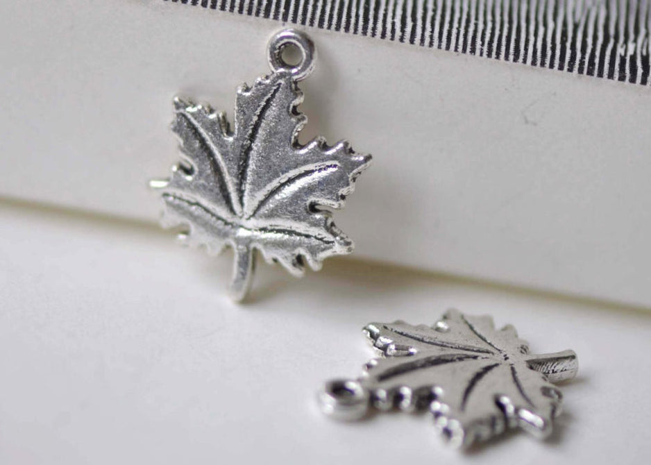 Antique Silver Small Maple Leaf Charms 15x19mm Set of 20 A7953