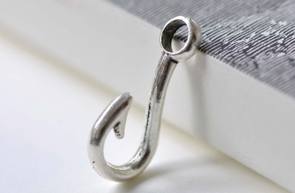 10 pcs Large Hole Blank Fish Hook Charms Pendants A8030