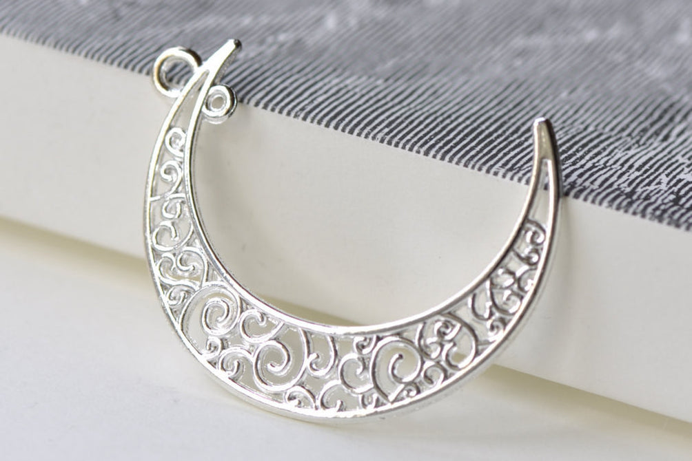 Silver Crescent Moon Swirly Connectors Pendants Set of 10 A8036