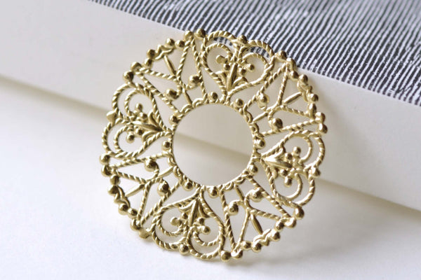 10 pcs Raw Brass Filigree Heart Floral Stamping Embellishments A8089