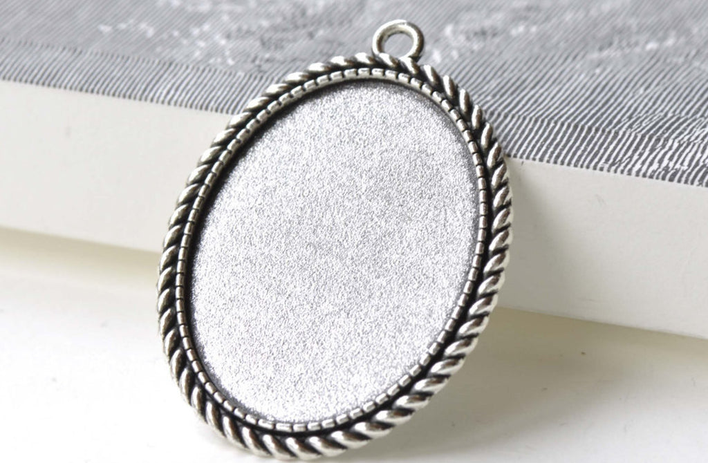 Antique Silver Oval Base Setting Pendants Tray A8125