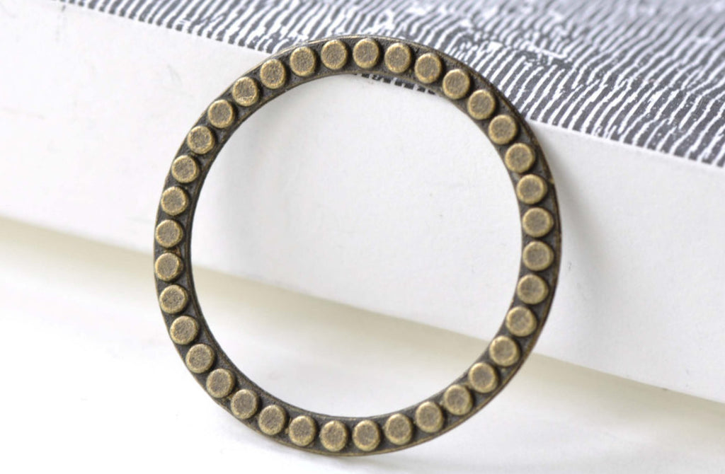 Antique Bronze Round Circle Dot Pattern Rings 29mm Set of 20 A8129