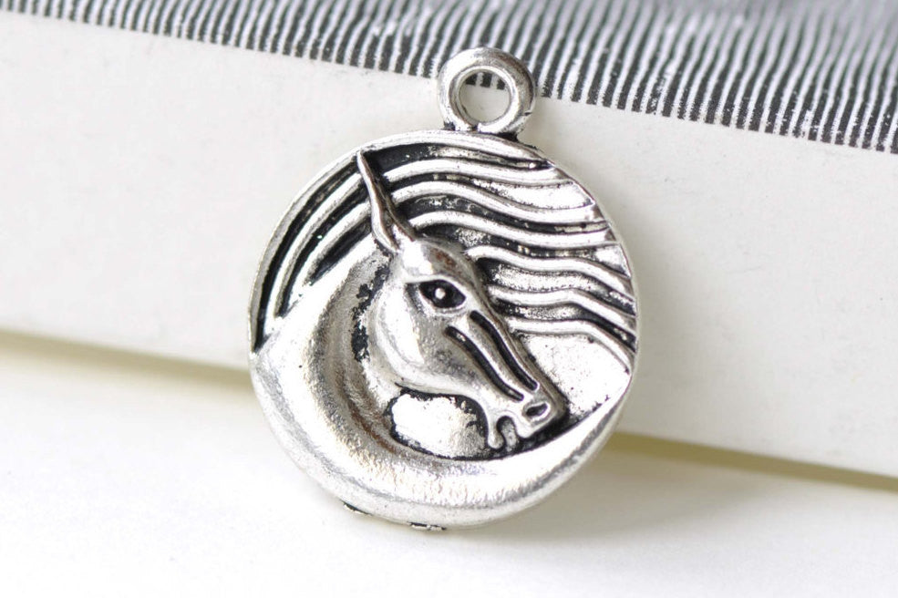 Antique Silver Horse Charms Pendants 20mm Set of 10 A8236