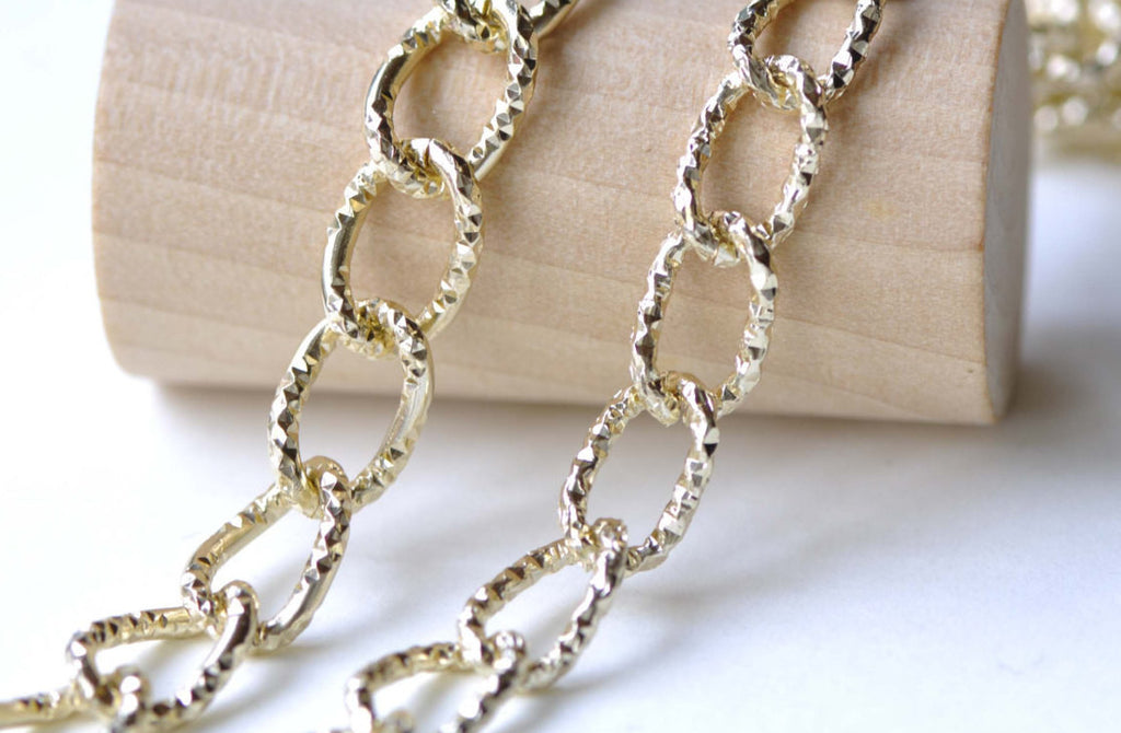 16ft (5m) KC Gold Aluminum Diamond Pattern Oval Chain