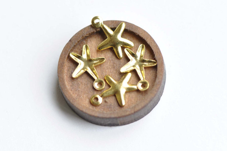 Gold Starfish Charms Sea Star Embellishments 8x11mm Set of 50 A8350