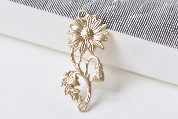 4 pcs Matte Gold Daisy Flower Connector Charms Embellishments A8513