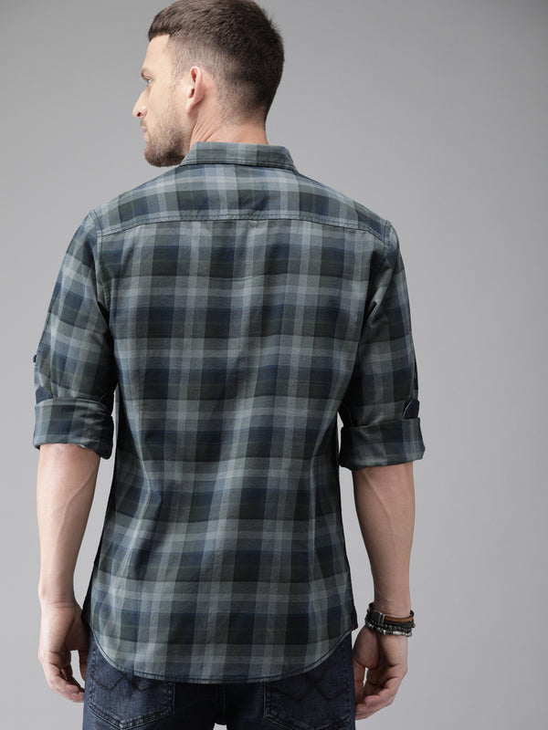 Roadster Men Grey and Navy Blue Regular Fit Checked Casual Shirt