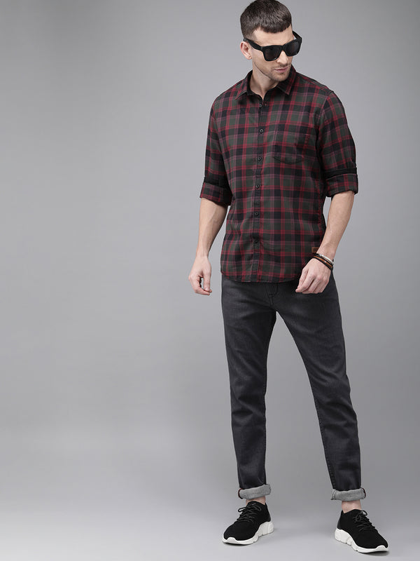 Roadster Men Olive Green and Maroon Regular Fit Checked Casual Shirt