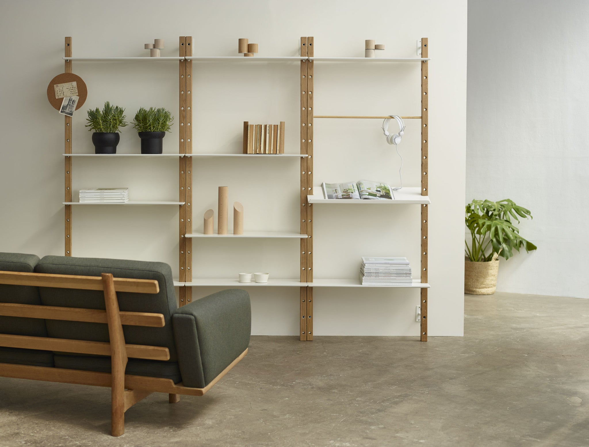 Dot System Modular Shelving Unit £1006