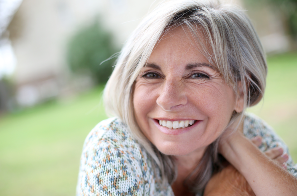 7 Quick And Easy Make-up Tips For Women Over 50