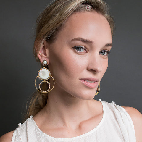 Entourage Earrings - Mother of Pearl
