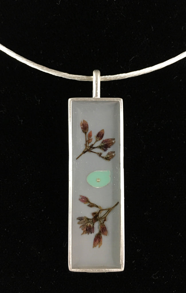 Botanical Sculpture Necklace in Gray and Green