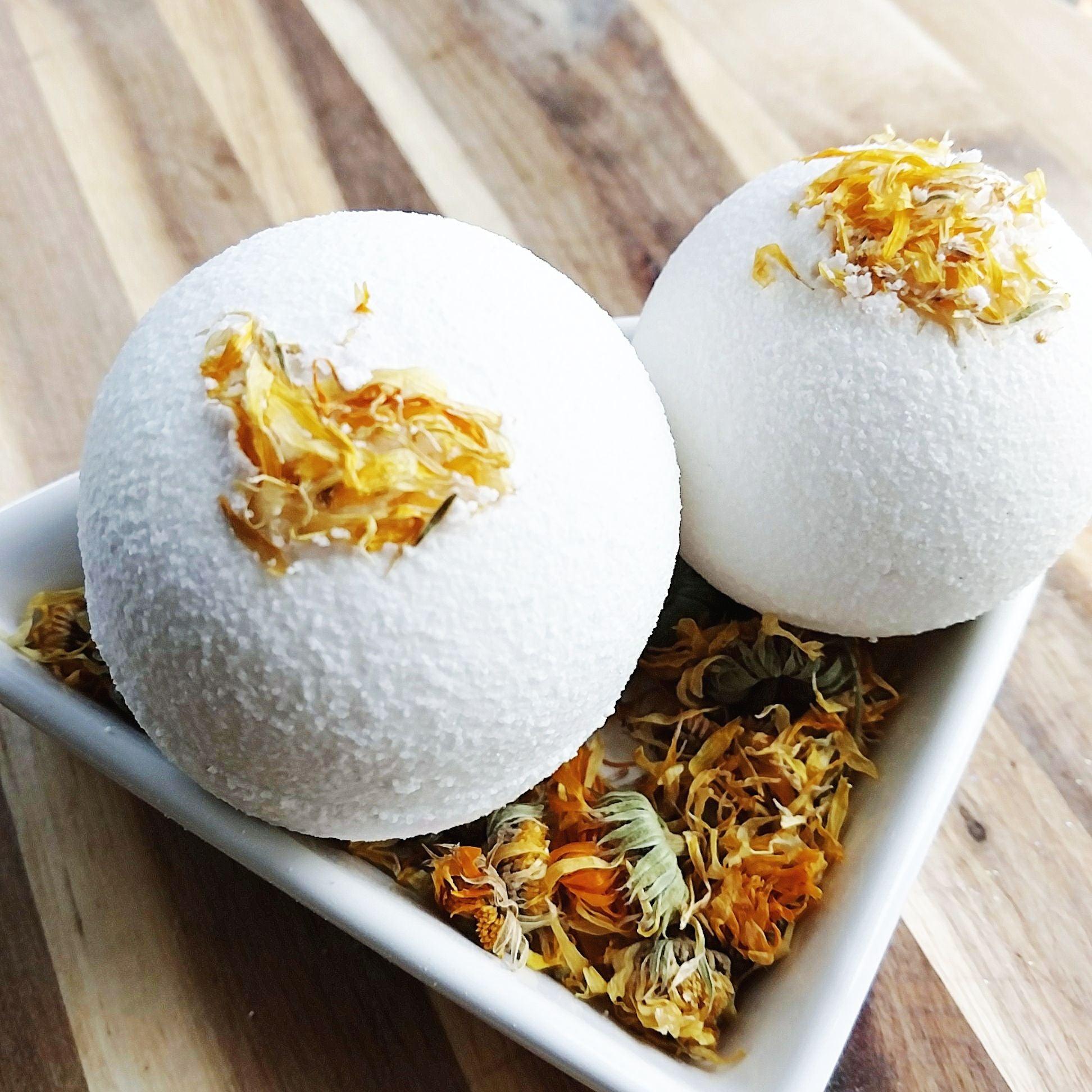 Gardenia bath bombs by Sunbasilgarden