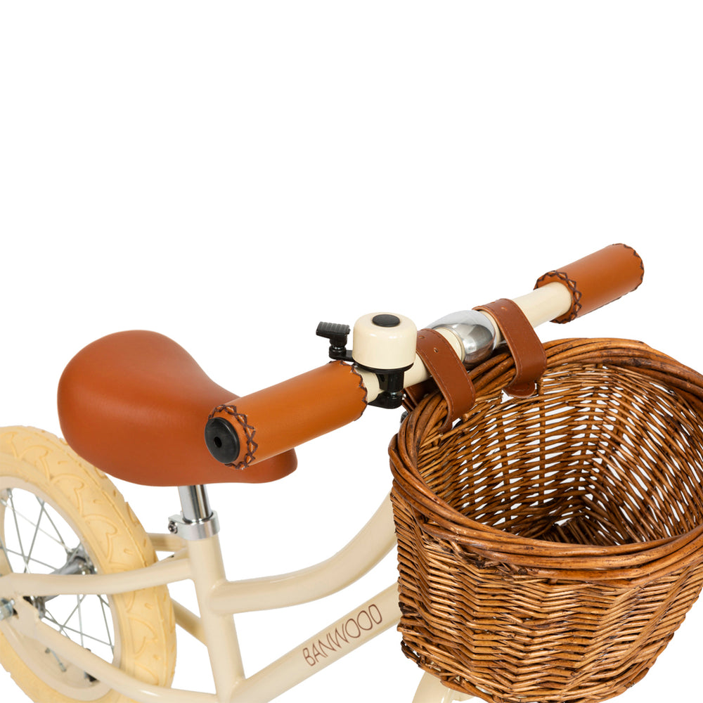 First Go! Cream Banwood Bike