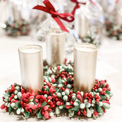 holiday candle with wreath
