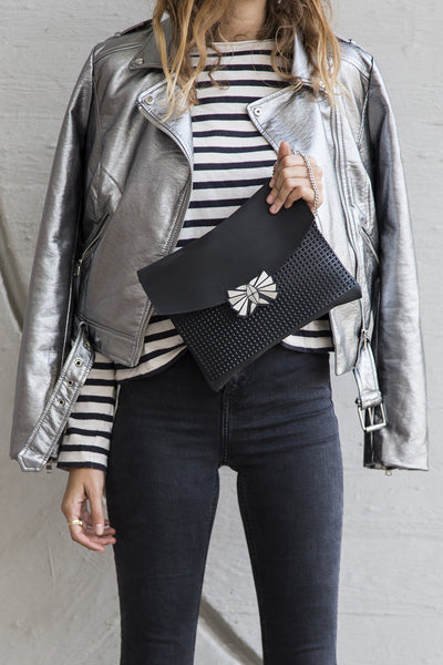 Dark Black Clutch // 301