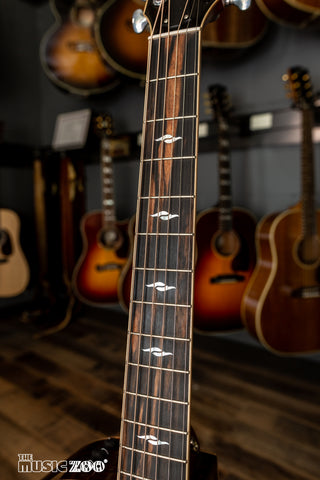 Taylor 800 Series Acoustic Guitars 3
