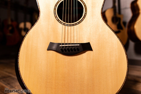 Taylor 900 Series Acoustic Guitars 9