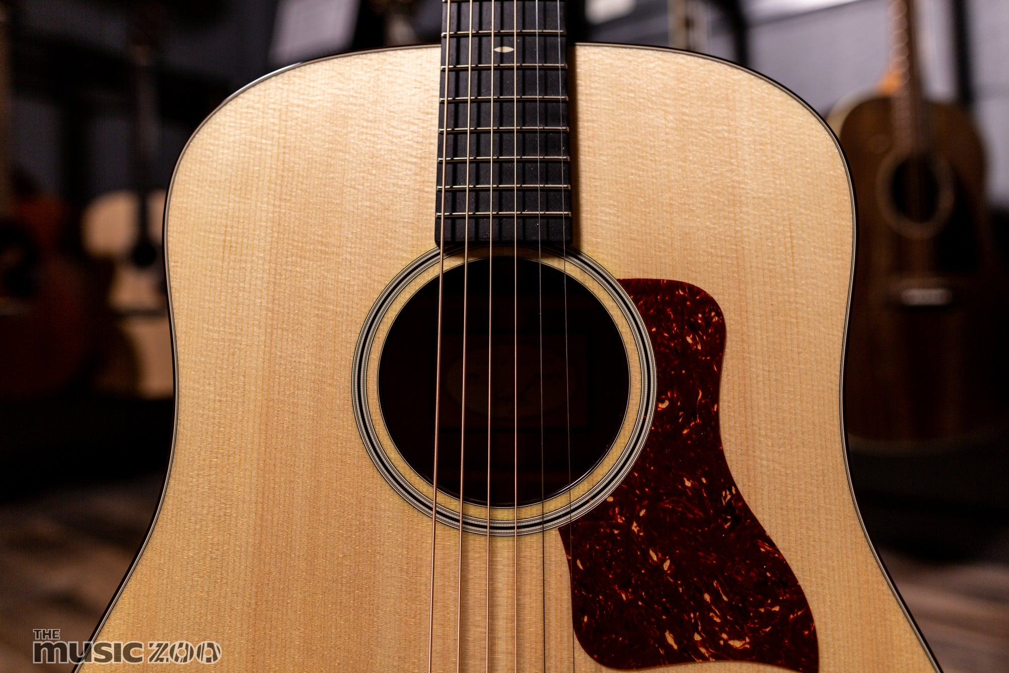 Taylor 500 Series Acoustic Guitars The Music Zoo