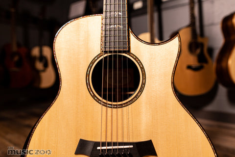 Taylor 900 Series Acoustic Guitars 3