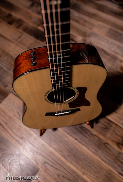 Taylor 500 Series Acoustic Guitars 2