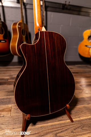 Taylor 800 Series Acoustic Guitars 7